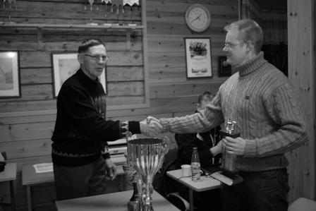 Kalle Keränen hakemassa piirinmestarin pyttyä! Kuva Eero Keränen